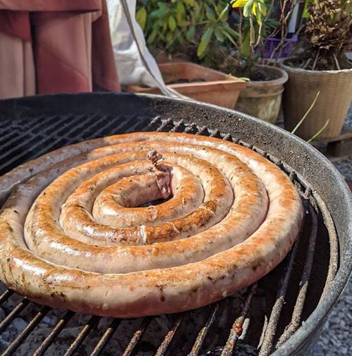 Salsiccia Schnecke auf Grill